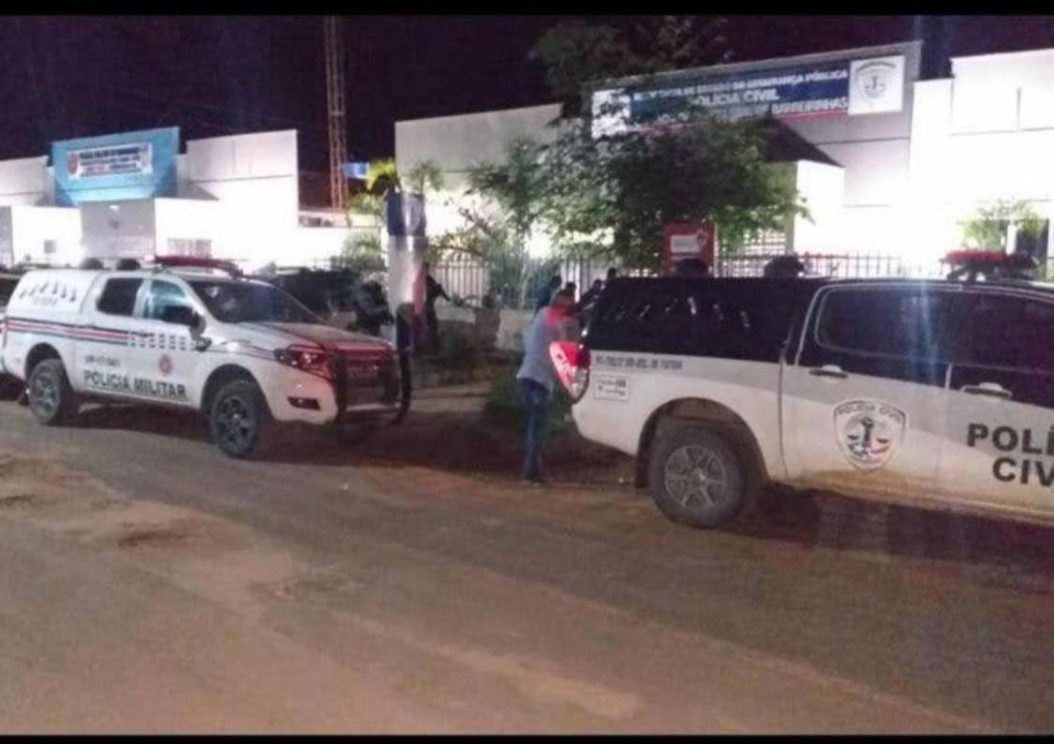 Homem é preso por agressão à esposa na frente dos filhos em Barreirinhas